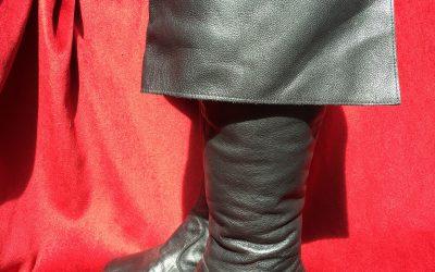 Bucket top boots