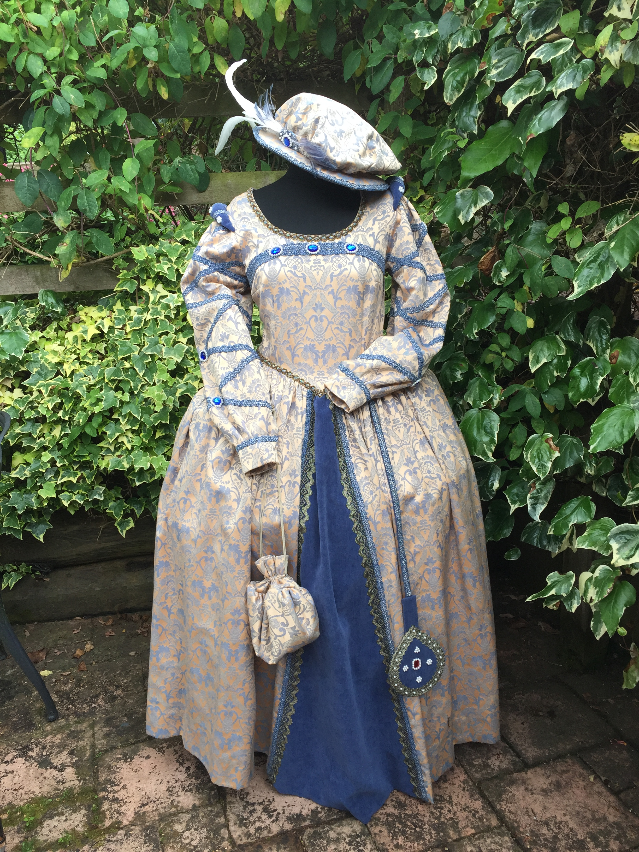 Masquerade Blue Amp Gold Elizabethan Lady Masquerade
