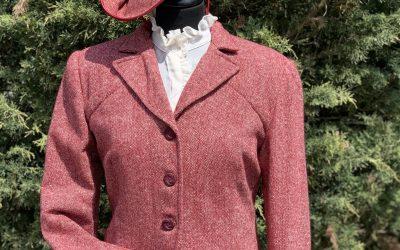 Ladies Teracotta tweed 1940's day suit