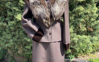 Ladies 1940's brown wool suit