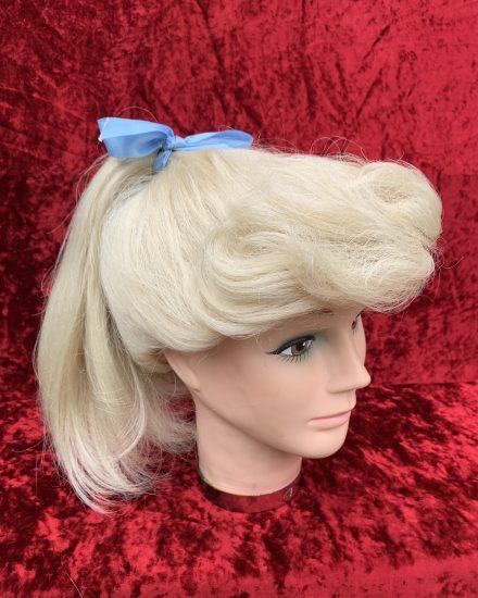 Blonde ponytail wig